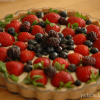 Raw Banana Cream Berry Tart