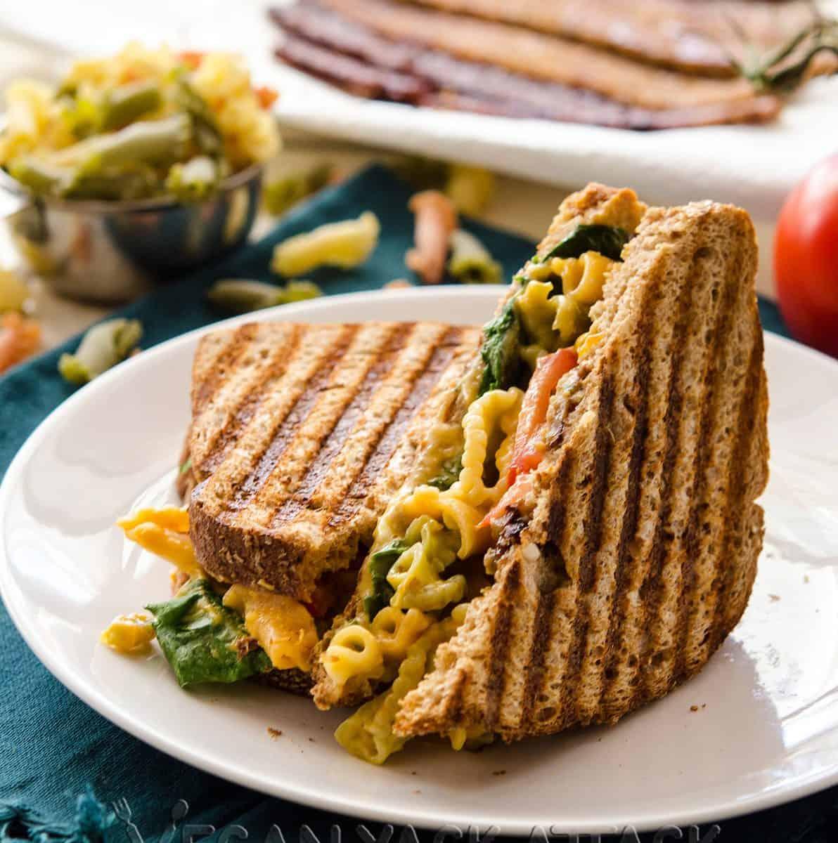 Grilled Mac n Cheese BLT
