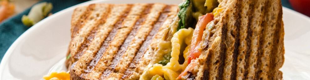 Grilled Mac n Cheese BLT
