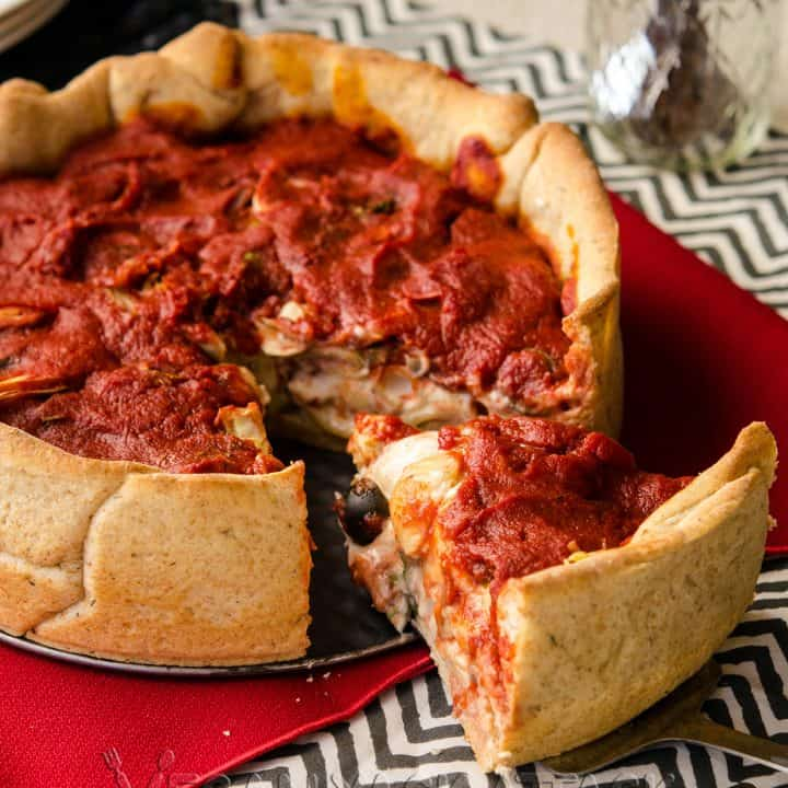 Mozzarella Mac Deep Dish Pizza - Creamy vegan mozzarella mac 'n' cheese in a delicious, homemade deep dish crust with easy toppings and flavorful marinara.