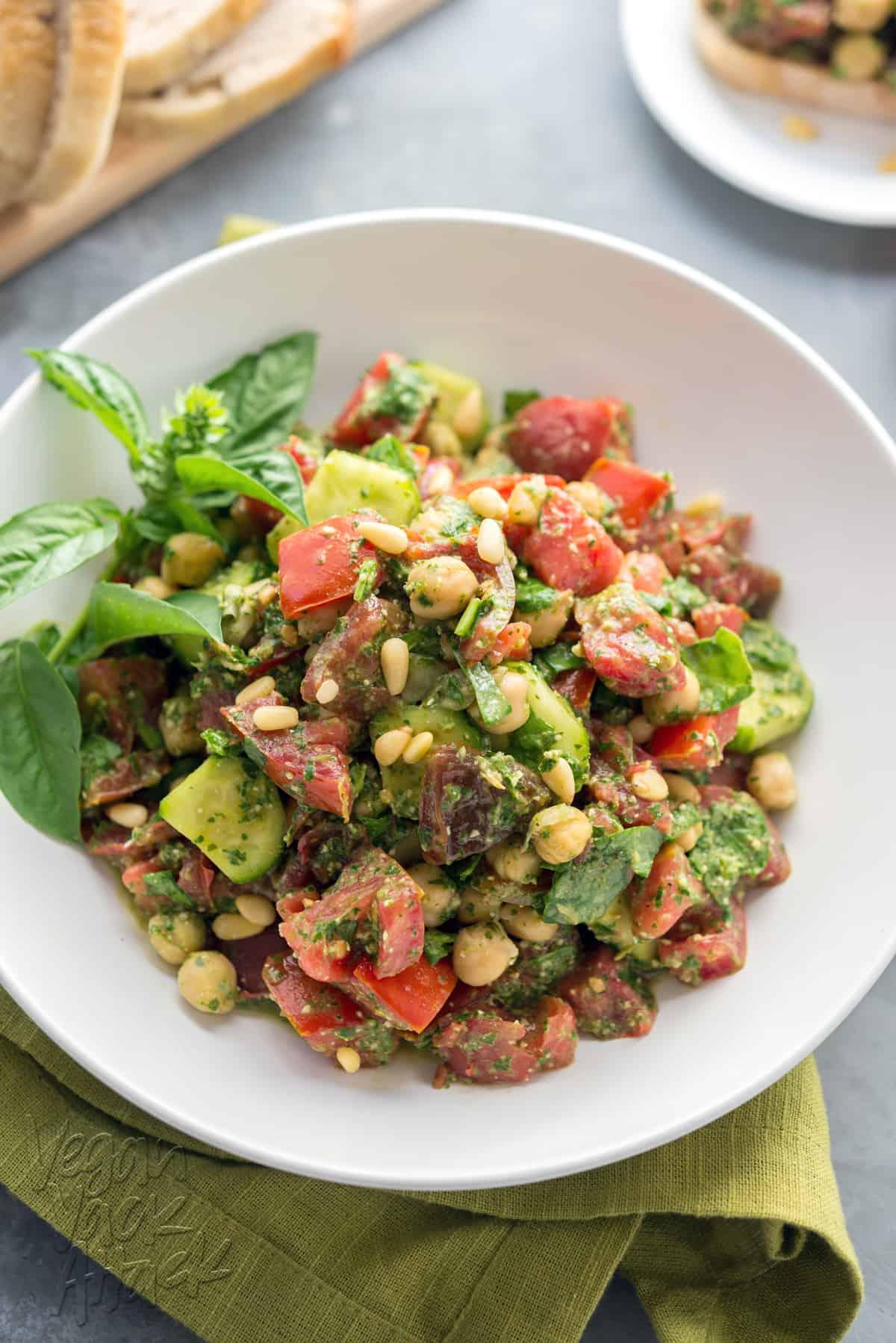 Oil-free Pesto Tomato Chickpea Salad - A great way to use Summer produce! #vegan #glutenfree