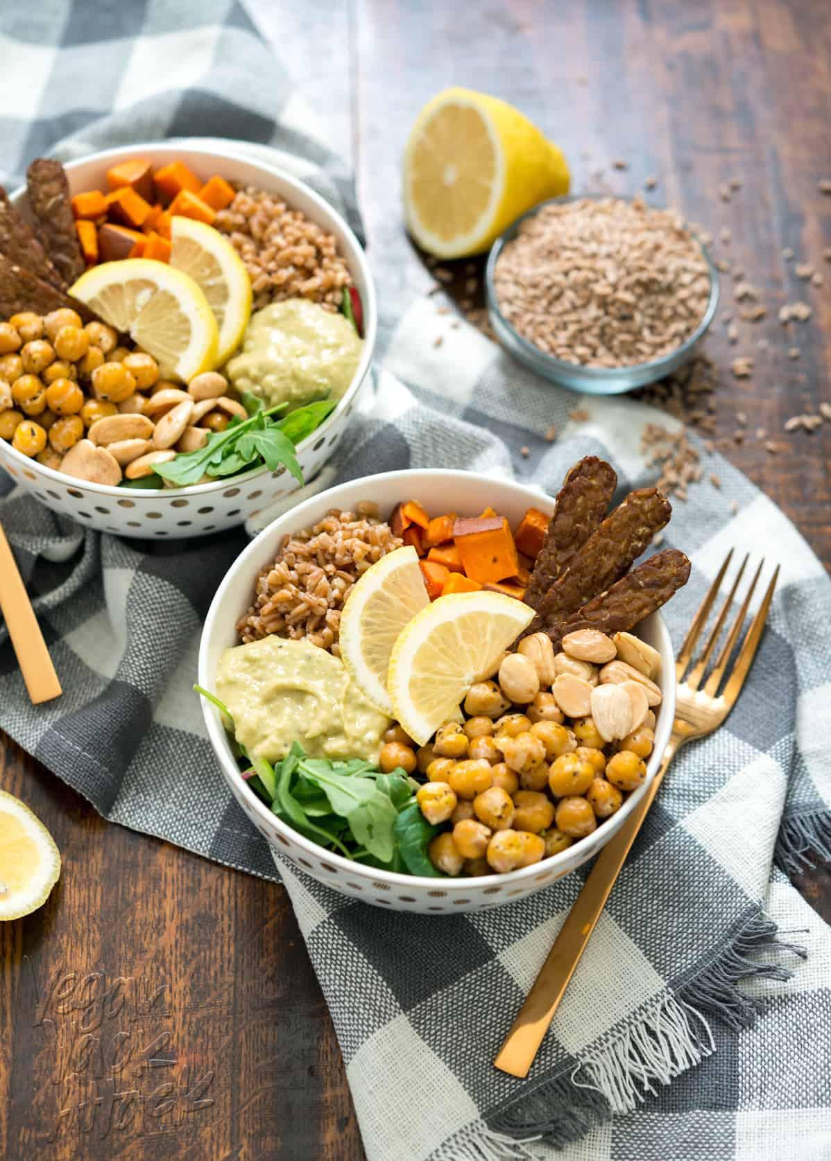 Vegan Fall Farro Protein Bowl - Healthy, filling, easy and delicious! @VeganYackAttack