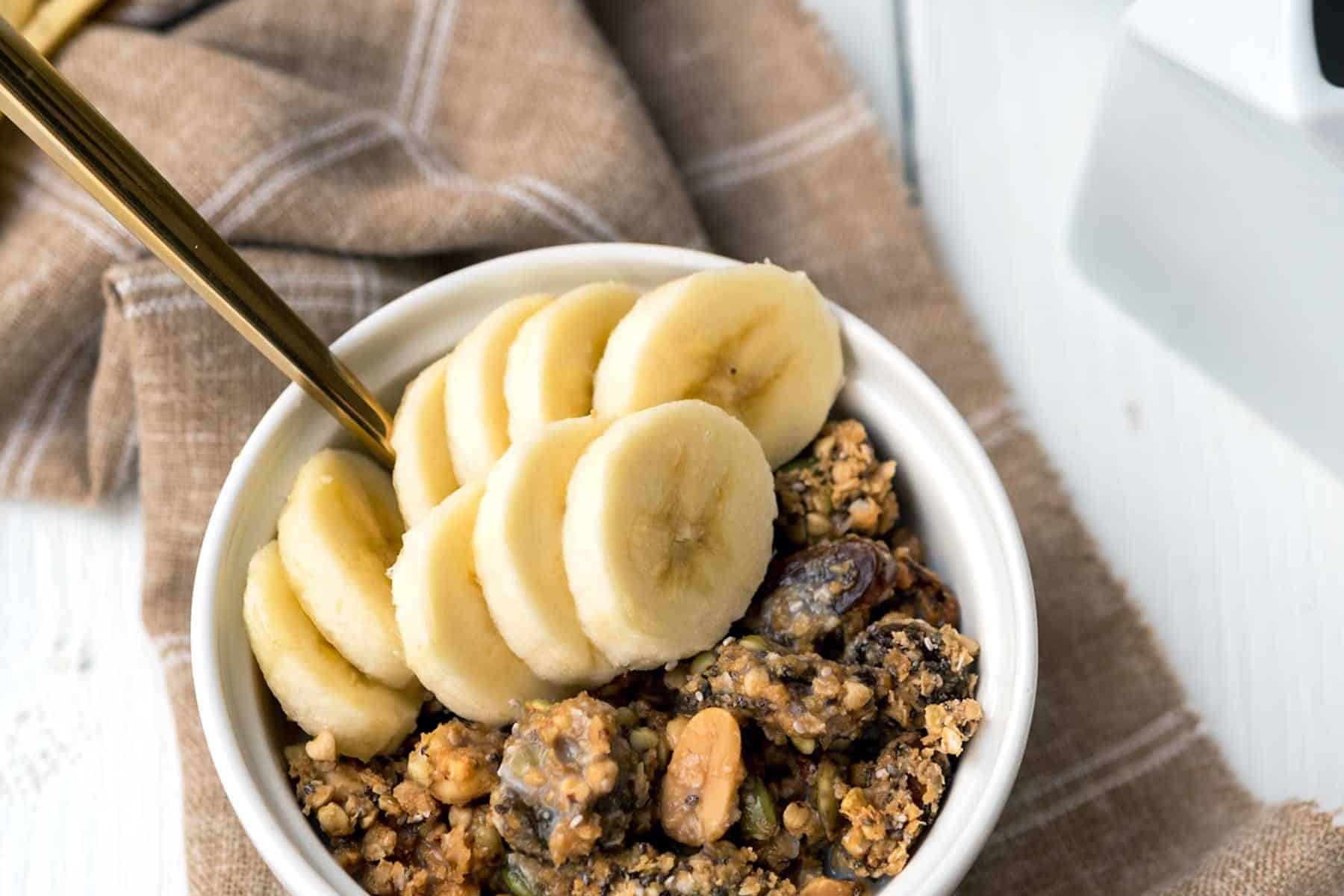 This snack is anything but boring! Peanut butter + Jelly (golden raisins) + buckwheat = PB&J Buckwheat Granola, that's oil-free and gluten-free.
