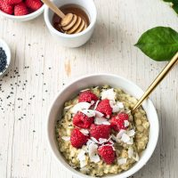 Matcha Oatmeal [VYA Plant-Based Meal Prep] Release + Giveaway